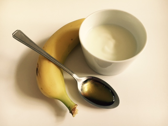 Banana honey and yoghurt hair mask